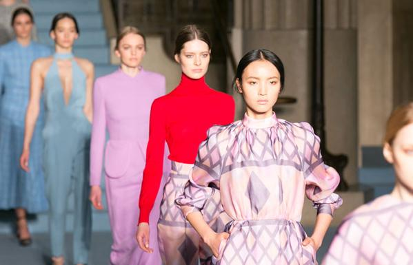 Deretan Nama Baru pada London Fashion Week 2015