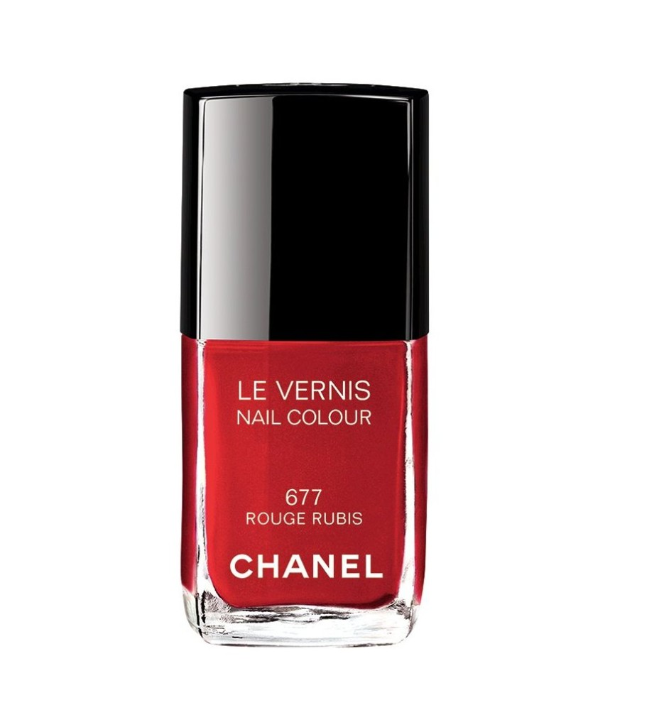 Chanel Le Vernis 677 Rouge Rubis