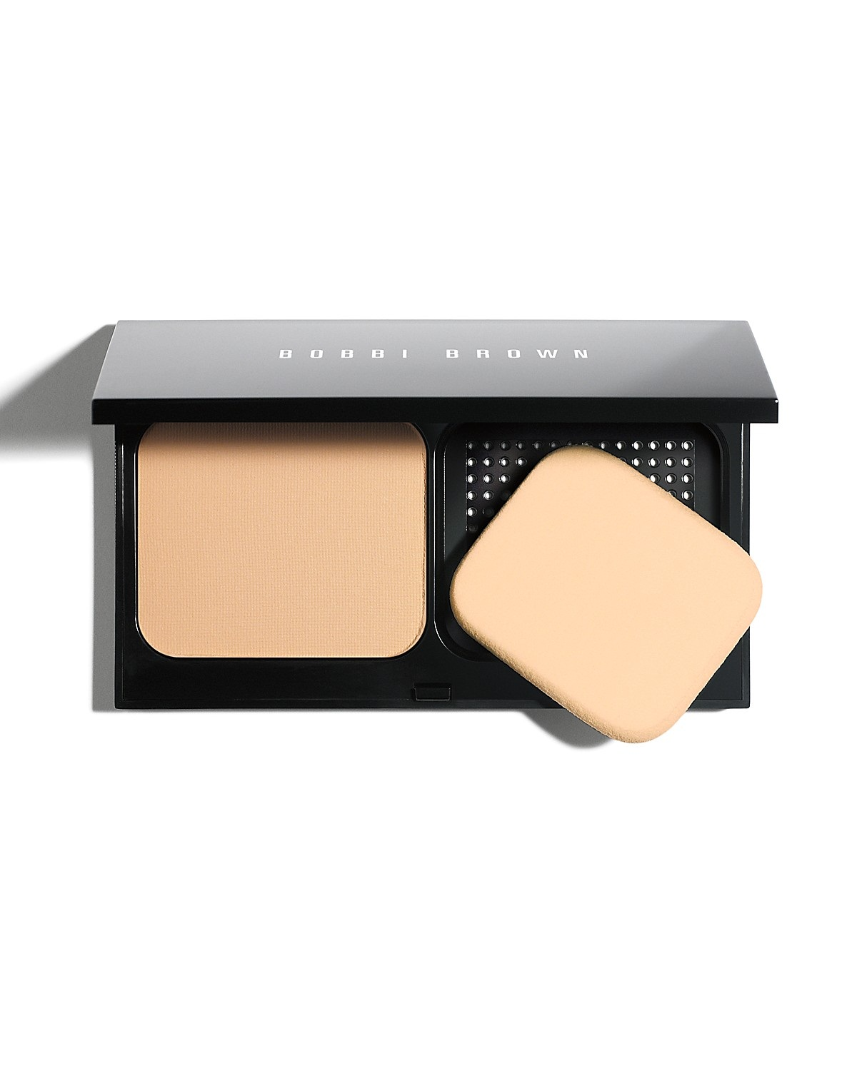 Bobbi Brown Illuiminating Finish Powder Compact Foundation