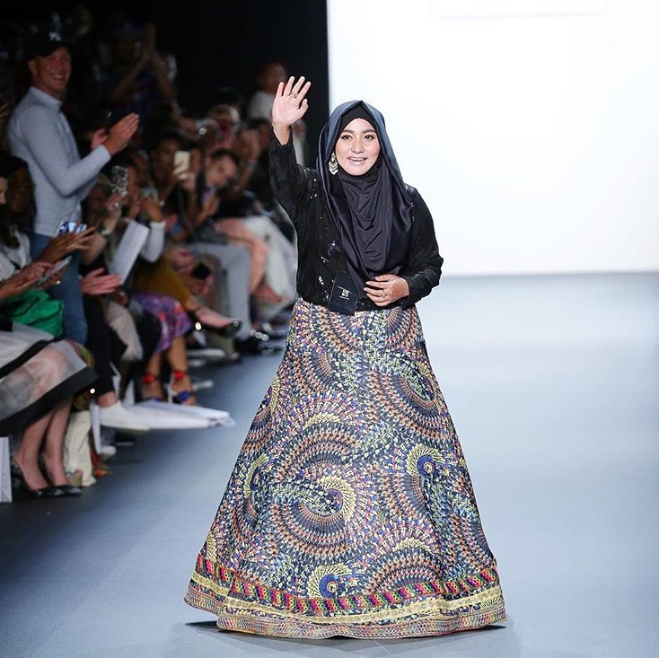 Anniesa Hasibuan Memukau di New York Fashion Week 2016