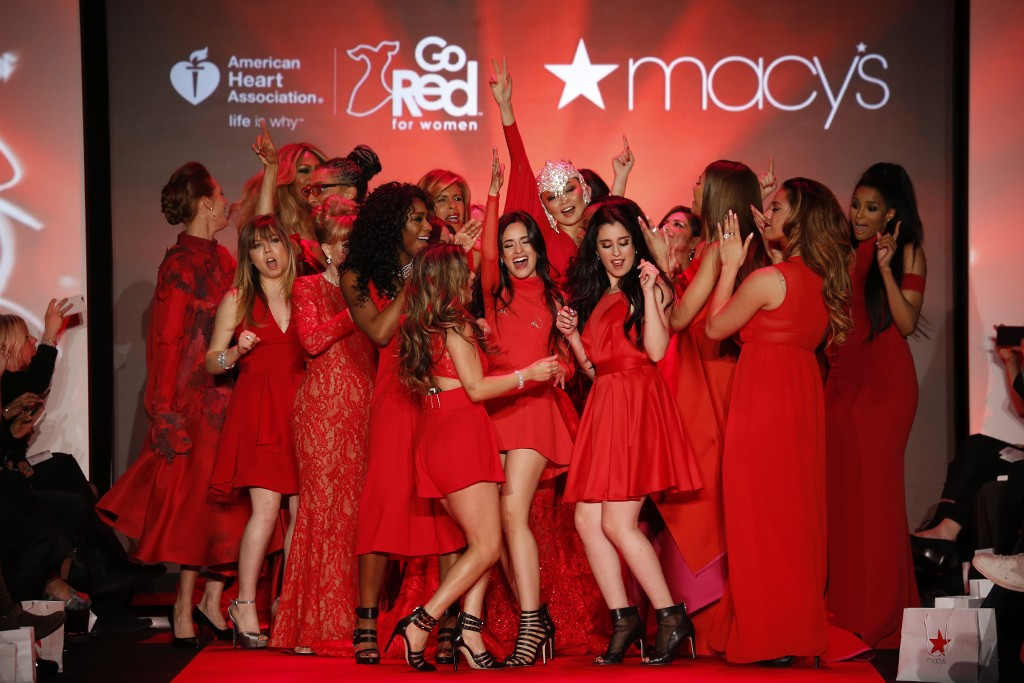 Para Bintang di 'Go Red For Women Red Dress Collection 2015'