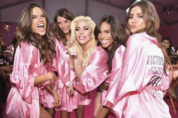 VS Angels Lip Sync Lagu Bruno Mars & Lady Gaga