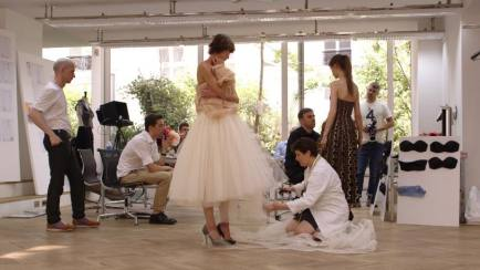Raf Simons dalam Film Dokumenter Dior and I