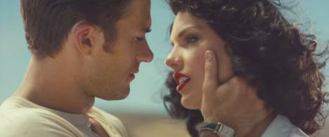 "Gaya Retro Taylor Swift di Video ""Wildest Dreams"""