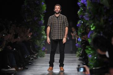 Givenchy Akan Melakukan Show Di New York Fashion Week