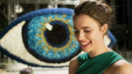 Margaret Qualley, Model Cantik di Iklan Parfum Kenzo