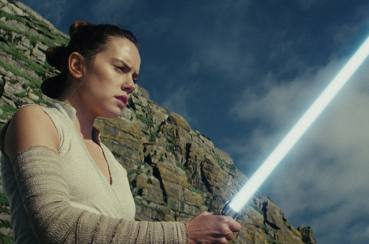 Review Film: Star Wars The Last Jedi, Seru dan Memukau!