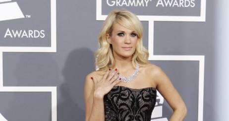 Hasilkan Nail Colors, OPI Ajak Carrie Underwood