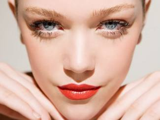Beauty Q&A: Eye Makeup Buat Kerutan?