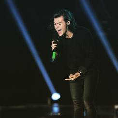 Finally, Harry Styles Akan Merilis Materi Solo!