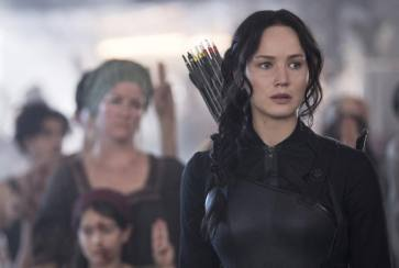 Movie Review: The Mocking Jay Part 1, The Fight is On