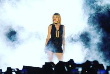 Taylor Swift Menyanyikan Lagu Calvin Harris. Really?