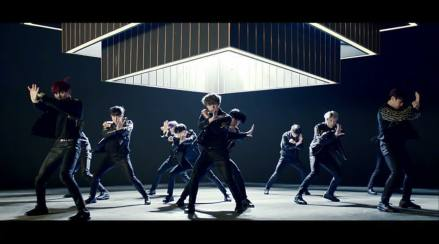 Wanna One Rilis MV dan Single Terbaru Boomerang