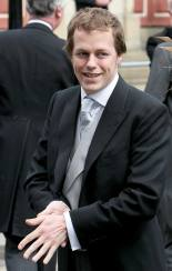 Ini Sosok Tom Parker Bowles, Adik Tiri William dan Harry