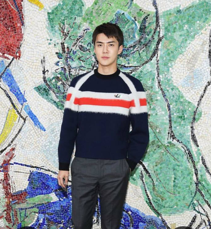 Sehun EXO Kembali Jadi Best Dressed Man Louis Vuitton